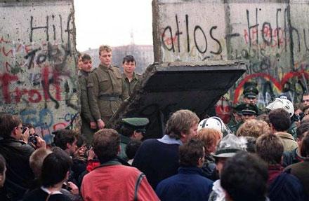 3989_La chute du mur de Berlin